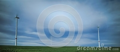 windmühlen-sehr-die-sich-schnell-drehen-115526369