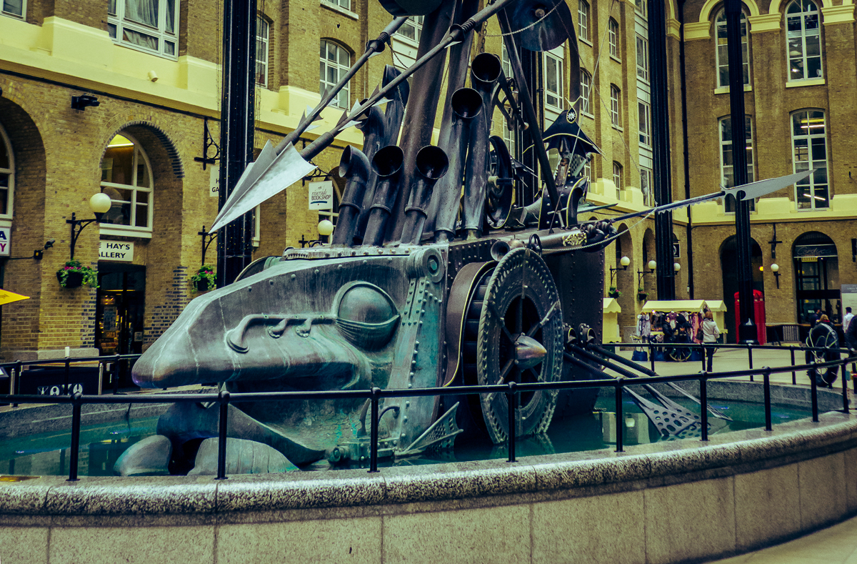 1 day in london itinerary, one day in london itinerary, things to do in london, what to do in london, hays galleria, hays galleria london